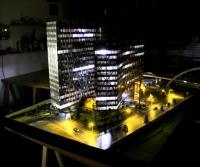 Maqueta Edificio Oficinas iluminados