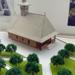 maqueta de iglesia de madera