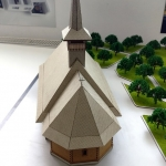 maqueta iglesia de madera